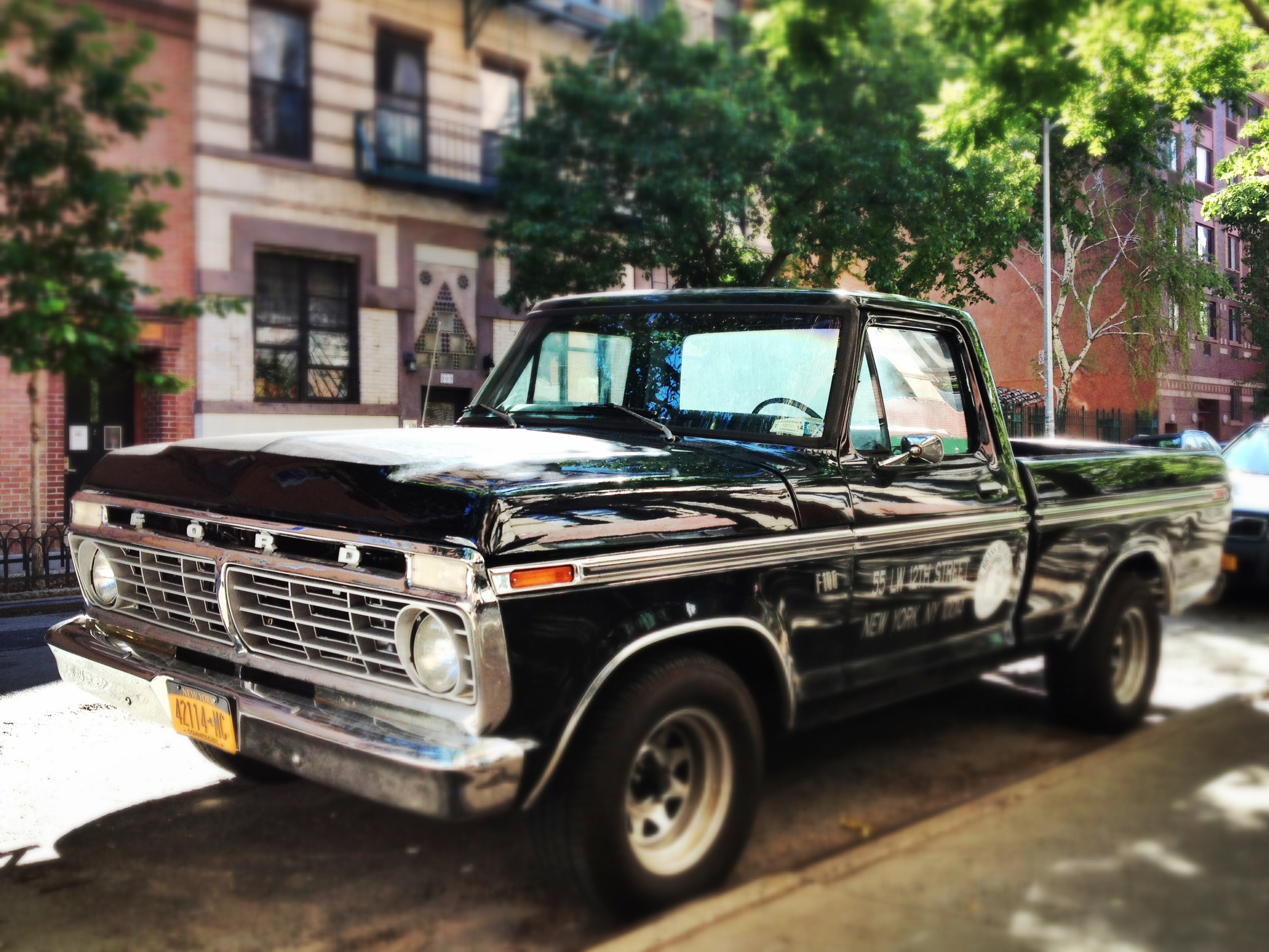 1975 Ford F100 Pick-Up. - On the Real.